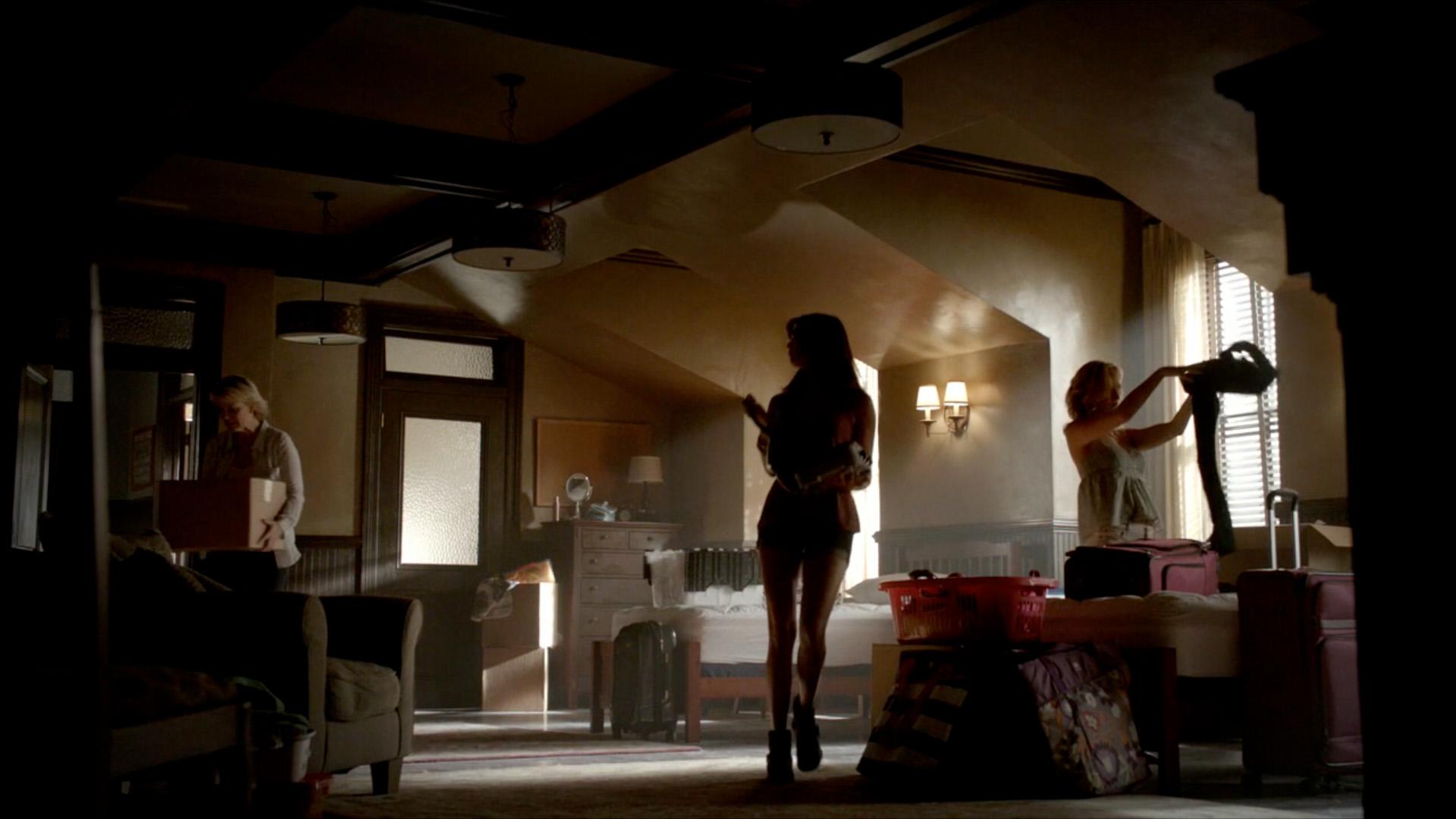 Vampire diaries bedroom - Tvd 2 115